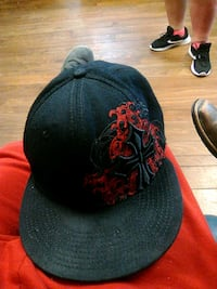 black and red fitted cap Farmington, 63640