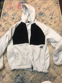 Nike tech fleece white jacket Vancouver, V5Y 2W3