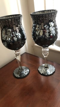 two clear glass candle holders Surrey, V3X 3K9