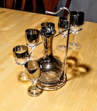 Carafe with 6 Stems & Holder