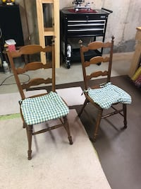 Two matching wooden chairs Cromwell, 06416