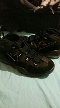 pair of black Nike Air basketball shoes Fresno, 93703
