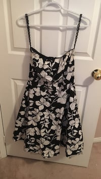 Women's black and white floral spaghetti strap mini dress Barrie, L4N 8S4