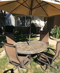 Round slate tile table with four chairs Springfield, 62702