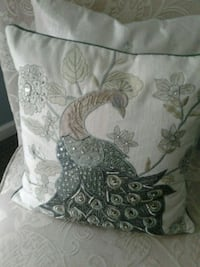 Pier one peacock pillows Wading River, 11792