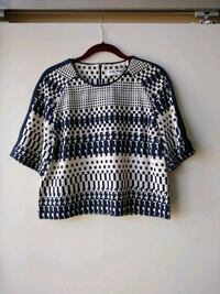 Blue and white scoop neck short sleeve shirt Toronto, M4Y