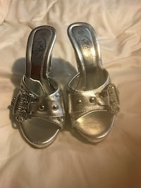 ladies size 6 1/2 silver heart heels  Columbia, 29203