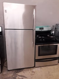 LG Stainless Steel Fridge and Stove For Sale *Free Shipping* Willow Grove