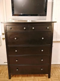 Nice solid wood big chest dresser with big drawers Annandale, 22003