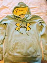 Under armour sweatshirt size M Vancouver, V5R 3R3