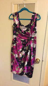 Size 10 Beautiful Floral Dress- Like New Fairfax, 22032