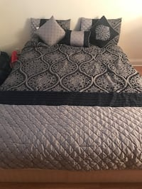 Queen size Comforter and side cushions Des Plaines, 60016