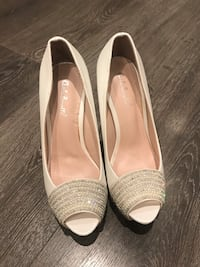 Brand new size 5/35 wedding shoes Oakville, L6H 4R7