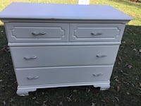 white wooden 3-drawer chest 34 mi