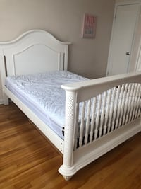 Baby crib/Single bed and armoire made of real wood Montréal, H1P 2L3