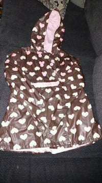 Girls brown with pink hearts rain coat size 10/12 London, 40744