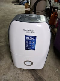 Soleusair ultra Compact 25 pint Dehumidifier. Excellent condition SOMERSET