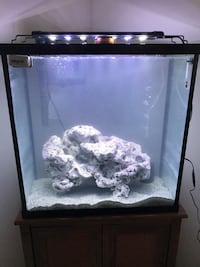 """30 gallon aquarium- tank and stand only """"need gone ASAP"""" Laurel, 20723"""