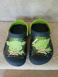 pair of black-and-green Yoda printed rubber clogs Woodbridge, 22191