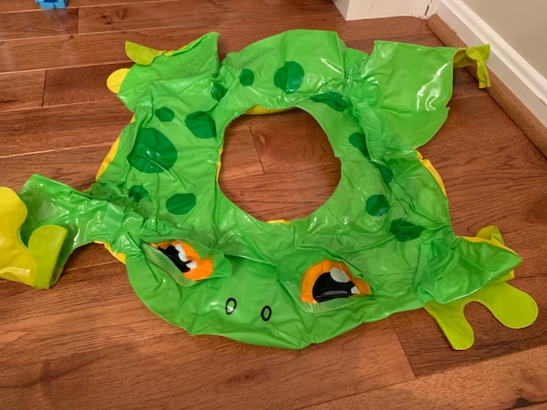 Swimming: Frog blowup inner tube- Never been used