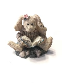 Boyd's Bears Daphne the reader Hare Langley, V2Y 3C6