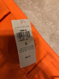 Ann Taylor shorts still with tag Moore, 73160