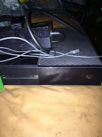 Xbox 1 with games (NO TRADE) Tampa, 33612