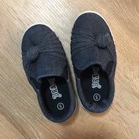 Size 5 toddler shoes Calgary, T3M 2L6