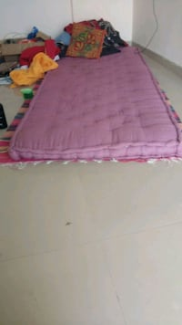 pink and white floral mattress hardly used Pune, 411001