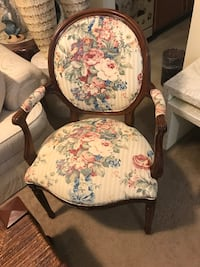 2 armed chairs mahogany heavy wood click on my profile picture on this page to check out my other items message me if you interested gaithersburg md 20877 Gaithersburg, 20877