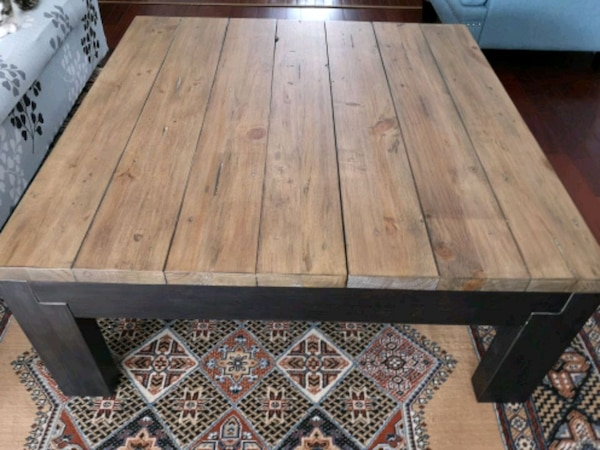 """Brand New Coffee table 42""""/42"""" 4395c850-239a-4713-bc46-6068319aa553"""