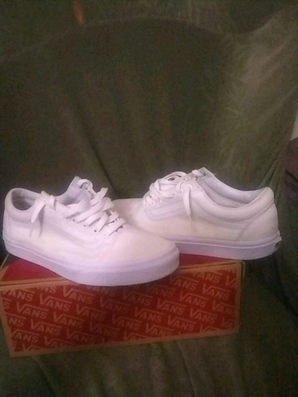 04fd3df3dbe3 Used Low Top All White Vans Off The Wall for sale in Buffalo - letgo