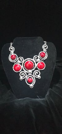 Silver-colored bib necklace with red gemstone Arlington, 22202