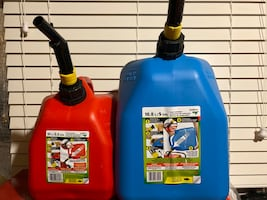 Gas plastic containers
