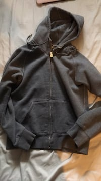 TNA hoodie siZe M