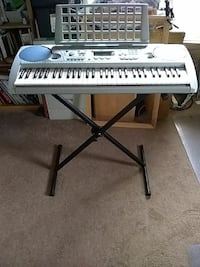 Yamaha psr 275 keyboard Milwaukie, 97222