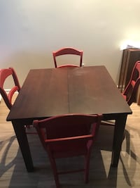 Adjustable dining room set 20 mi