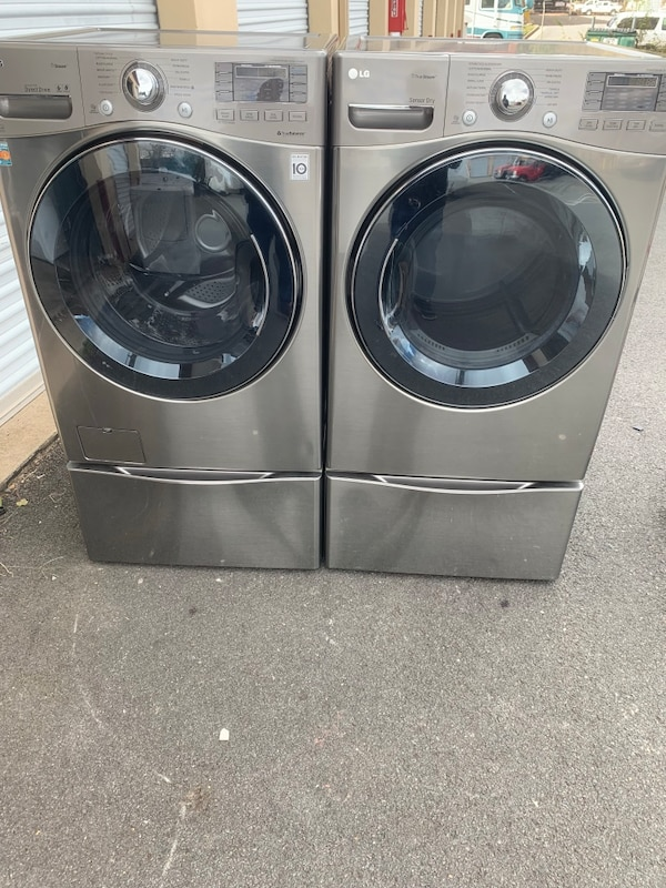 Lg Washer and dryer good condition  like new