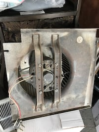 Gray exhaust fan used it does working good