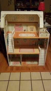 brown, beige, white, and pink 3-storey dollhouse Roseville, 95678