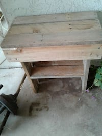 Recycled pallet box table  Merced, 95340