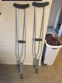 Drive Medical Walking Crutches with Underarm Pad and Handgrip, 1 Pair 21 mi