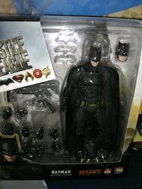 Mafex Justice League Batman Alexandria, 22304