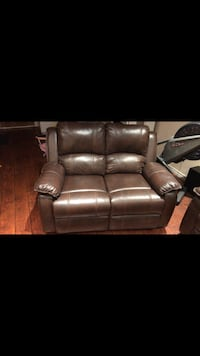 brown leather 3-seat recliner sofa Toronto, M1R 4N8