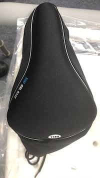 Bike seat cover; 300 gel base seat cover in excellent condition