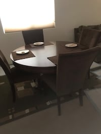 Dining table with 4 microfiber chairs Las Vegas, 89148