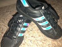 Adidas size 5 girls tennis shoes  Bakersfield, 93301