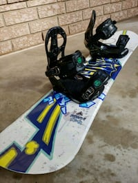Youth Snowboard with bindings included 558 km