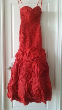 Hand-beaded Red Dress. Prom dress