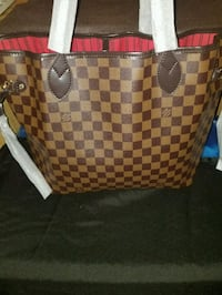Louis Vuitton leather tote bag Chicago, 60621